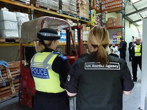 How to Become a UK Customs Officer | TheEmployable